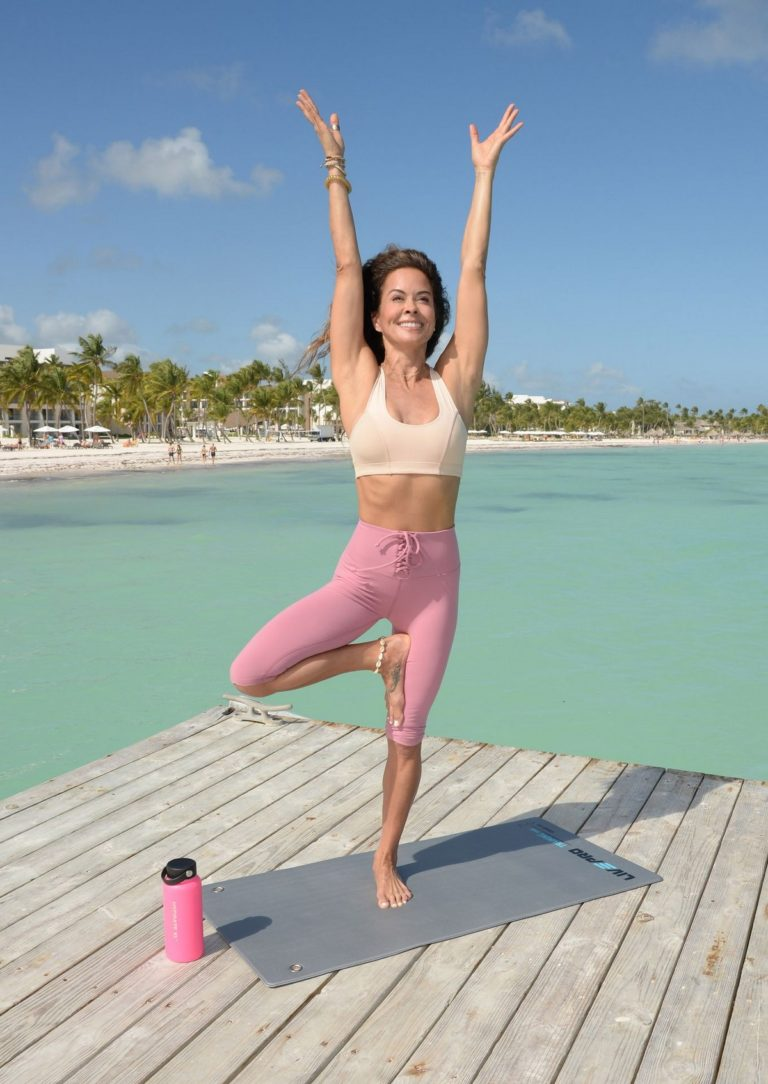 Brooke Burke yoga at Hyatt Zilara Resorts beach in the Dominican Republic 2020/02/06 5