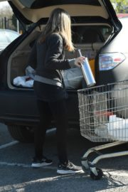 Caprice Bourret Shops at Sainsbury's in London 2020/03/24 1