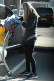 Caprice Bourret Shops at Sainsbury's in London 2020/03/24 3