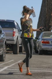 Dakota Johnson seen in black tights after finishing up a hot yoga in Los Angeles 2020/03/03 11