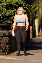 Ellie Brown after out for exercising in Cheshire 2020/03/26 10