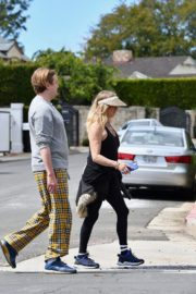 Goldie Hawn and Boston Russell out and about in Brentwood 2020/03/25 11