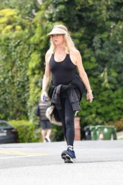 Goldie Hawn and Boston Russell out and about in Brentwood 2020/03/25 14
