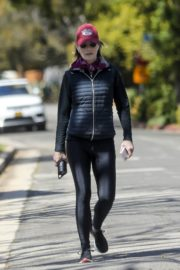 Helen Hunt in black jacket with tights out and about in Brentwood 2020/03/26 2