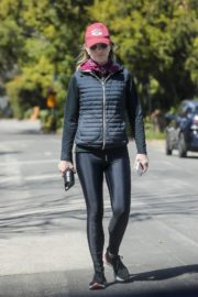Helen Hunt in black jacket with tights out and about in Brentwood 2020/03/26 7