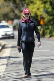Helen Hunt in black jacket with tights out and about in Brentwood 2020/03/26 9