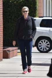 Jane Lynch out and about in Studio City 2020/03/26 4