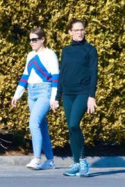 Jennifer Garner with a friend for walk in Pacific Palisades, California 2020/03/26 14