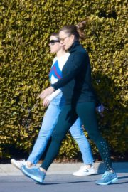 Jennifer Garner with a friend for walk in Pacific Palisades, California 2020/03/26 15