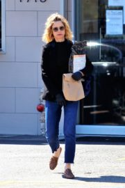 Kyra Sedgwick out and about in Los Angeles 2020/03/26 1