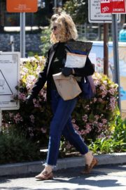 Kyra Sedgwick out and about in Los Angeles 2020/03/26 4