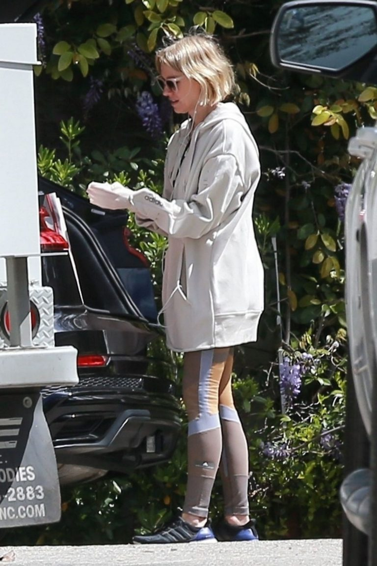 Naomi Watts Shopping out in Los Angeles 2020/03/25 2