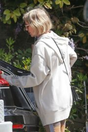 Naomi Watts Shopping out in Los Angeles 2020/03/25 3