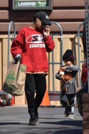 Naya Rivera with her son out and about in Los Feliz 2020/03/27 4