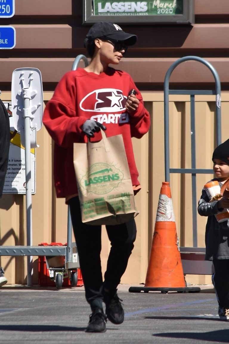 Naya Rivera with her son out and about in Los Feliz 2020/03/27 7