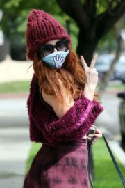 Phoebe Price out and about in Los Angeles 2020/03/24 3