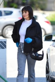 Rebecca Black wearing bright blue latex gloves in Los Angeles 2020/03/18 6
