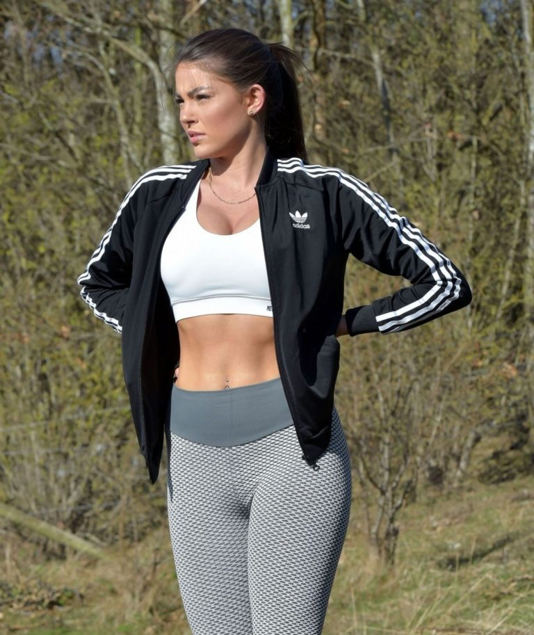 Rebecca Gormley outside workout in Newcastle 2020/03/25 13