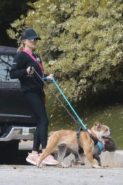 Reese Witherspoon walking her dogs out in Pacific Palisades 2020/03/24 14