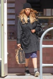 Tyra Banks seen in a grocery run in Los Angeles 2020/03/25 2