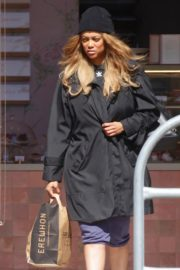 Tyra Banks seen in a grocery run in Los Angeles 2020/03/25 9