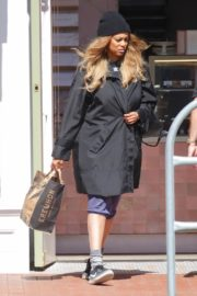 Tyra Banks seen in a grocery run in Los Angeles 2020/03/25 10