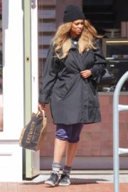 Tyra Banks seen in a grocery run in Los Angeles 2020/03/25 12
