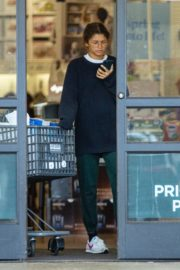 Zendaya Shopping with her brother in Los Angeles, California 2020/03/17 6