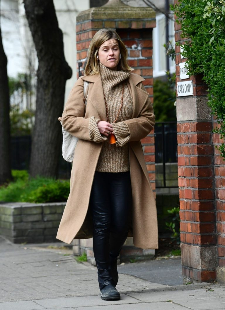 Alice Eve seen in brown long coat out and about in London 2020/04/06 8
