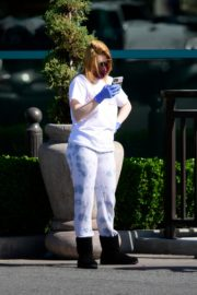 Ariel Winter leaves after shopping grocery in Los Angeles 2020/04/14 11