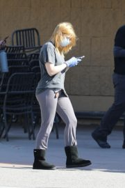 Ariel Winter Shopping for groceries at Gelson's in Los Angeles 2020/04/11 2