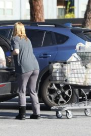 Ariel Winter Shopping for groceries at Gelson's in Los Angeles 2020/04/11 9