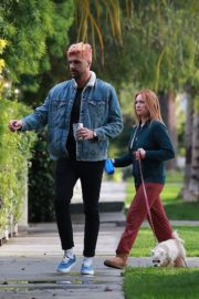 Brittany Snow and husband Tyler Stanaland walk in Los Angeles 2020/04/10 4
