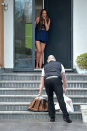 Charlotte Crosby leaves her house to get food delivery in Sunderland 2020/04/03 10