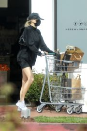 Charlotte McKinney shops out in Pacific Palisades 2020/03/31 1