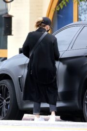 Chloe Grace Moretz Shopping Out for groceries in Studio City 2020/04/08 3
