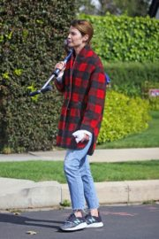 Cobie Smulders seen in red checked shirt with blue denim out in Los Angeles 2020/04/08 1