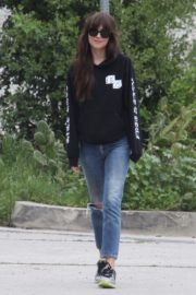 Dakota Johnson seen in black sweatshirt and ankle jeans out in Los Angeles 2020/04/13 9