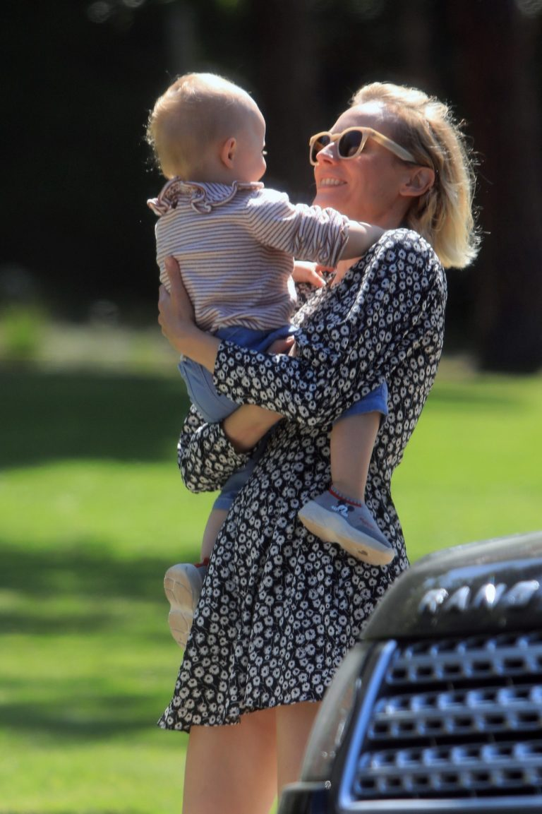 Diane Kruger with her children out in Los Angeles 2020/04/03 6