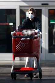 Elisabetta Canalis during Shopping at Target store in West Hollywood 2020/04/05 3