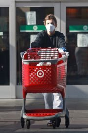 Elisabetta Canalis during Shopping at Target store in West Hollywood 2020/04/05 5