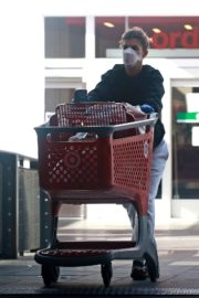 Elisabetta Canalis Shopping at Target store in West Hollywood 2020/04/05 5