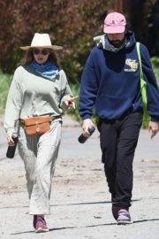 Elizabeth Olsen and fiance Robbie Arnett with homemade masks out in Hollywood Hills 2020/04/11 4