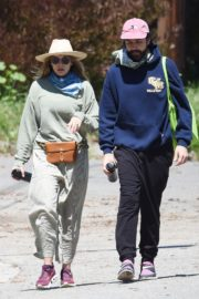 Elizabeth Olsen and fiance Robbie Arnett with homemade masks out in Hollywood Hills 2020/04/11 5