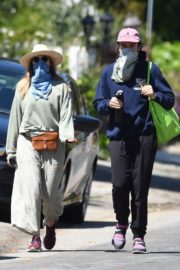 Elizabeth Olsen and fiance Robbie Arnett with homemade masks out in Hollywood Hills 2020/04/11 7