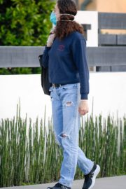 Emmy Rossum outside in Los Angeles 2020/04/07 1
