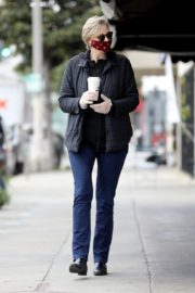 Jane Lynch at King's Road Cafe in Studio City 2020/04/04 12
