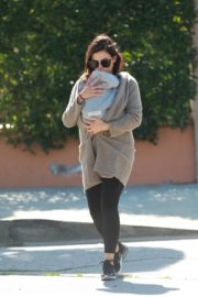 Jenna Dewan with baby Michael out in Los Angeles 2020/03/30 1