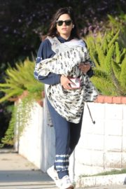 Jenna Dewan with her baby out in Los Angeles 2020/04/03 7