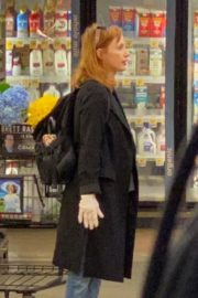 Jessica Chastain Grocery Shopping out in Palos Verdes, California 2020/04/04 4